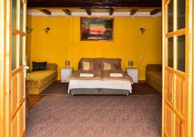 Premium Apartmanunk nagyobb szobája